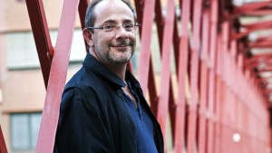 Ignacio-Padilla-dice-que-los-escritores-de-hoy-trabajan-para-la-televisión-620x350