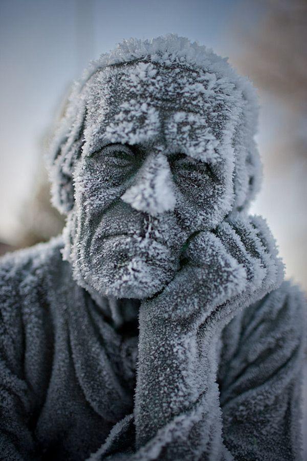 estatua congelada